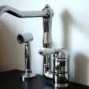 KAMPEN 2 Loch Küchenarmatur mit schwenkbarem Auslauf und versenkbarer, separater Handbrause, Chrom.