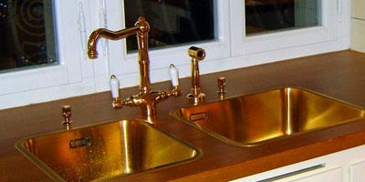 2Loch Küchenarmatur mit separater Handbrause, Gold. Serie KENT. Bern-Schweiz